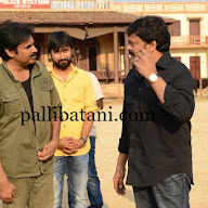 Chiranjeevi at Pawan Sardar Sets