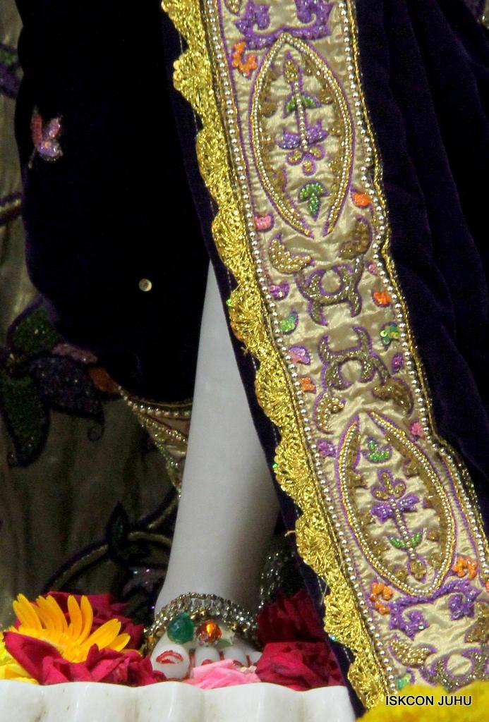 ISKCON Juhu Sringar Deity Darshan on 22nd Oct 2016 (32)