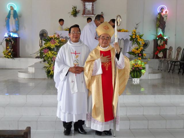 Hình ảnh thánh lễ và nghi thức nhậm chức quản xứ Gò Sạncủa Cha Phêrô Cao Xuân Hóa