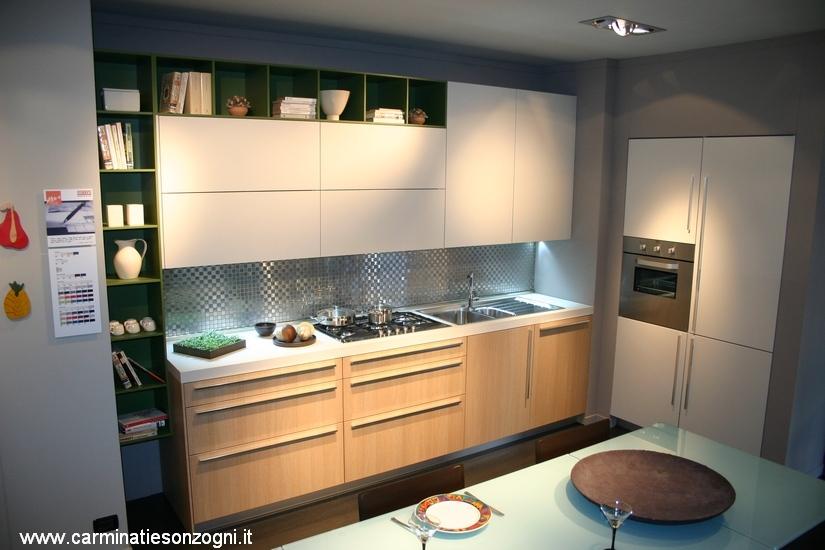 cucina  Code Snaidero visibile nella nostra espozione di Zogno, Bergamo, Lombardia. .jpg