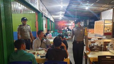 Polsek Sekadau Hilir Patroli Protokol Kesehatan di Pasar Baru