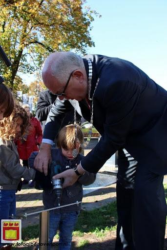 burgemeester plant lindeboom in overloon 27-10-2012 (30).JPG