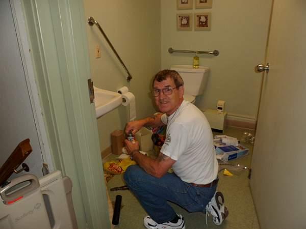 Church Cleaning 2011 - SAM_0026.jpg
