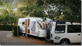 sevilha-camping-villsom-area-estacionamento-1