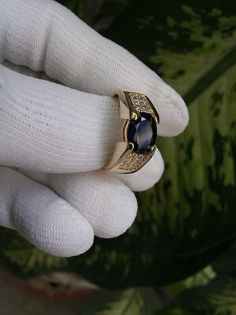Nhẫn nam đá Sapphire thiên nhiên