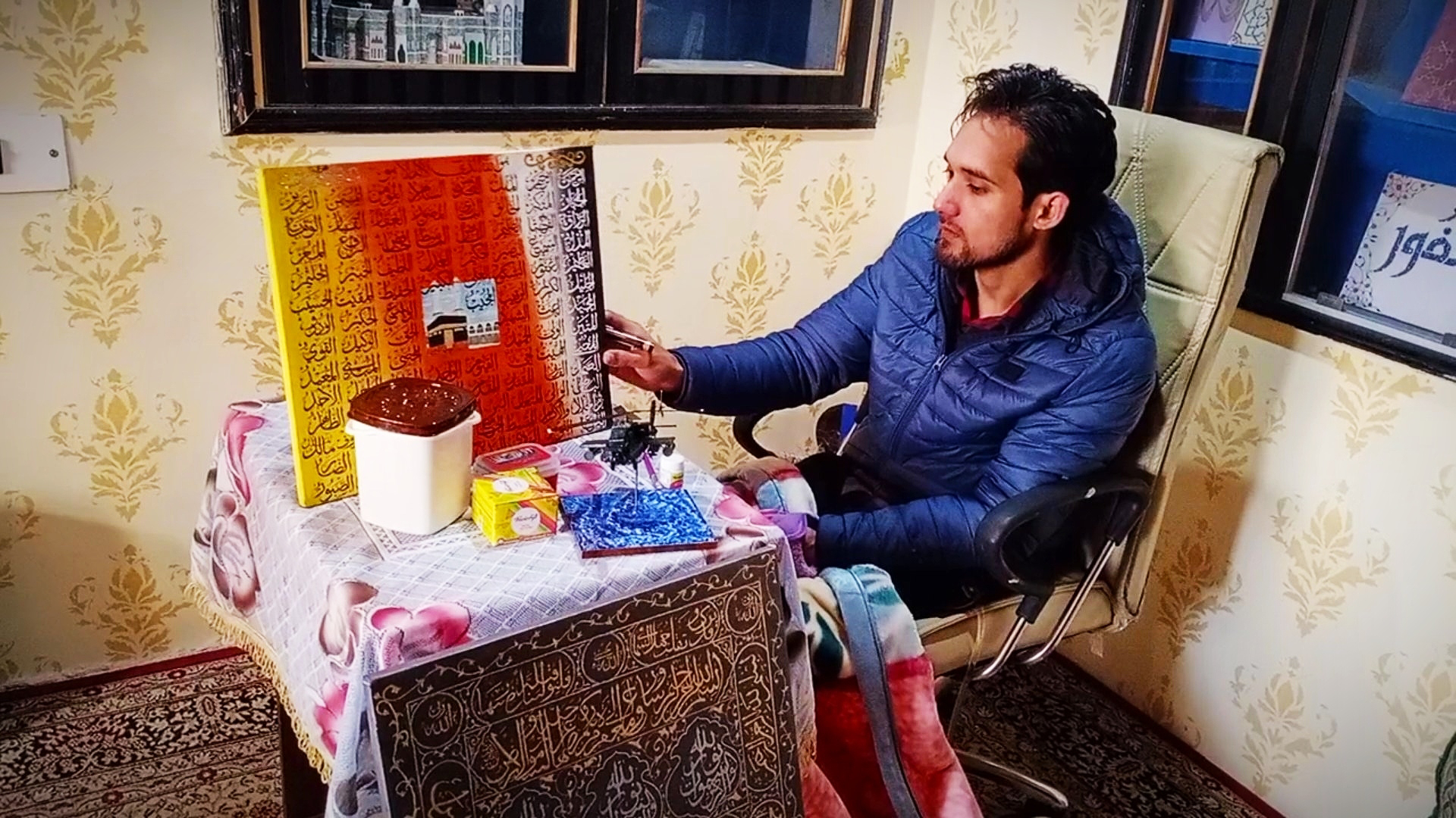 J&K | Paraplegic by an accident didn't kill hopes of Jibran, a budding artist From Pulwama