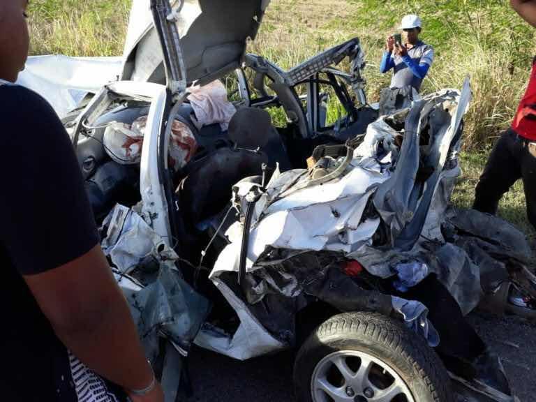 Accidente próximo al peaje de La Romana deja 4 heridos y un muerto