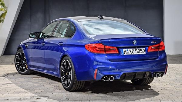BMW-M5-2018-rear