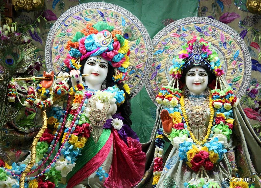 ISKCON Juhu Sringar Deity Darshan on 26th Aug 2016 (36)