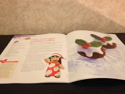 Plastic Christmas Cake Decorations Tesco : Claire Without Luck: Disney cakes and sweets Christmas special