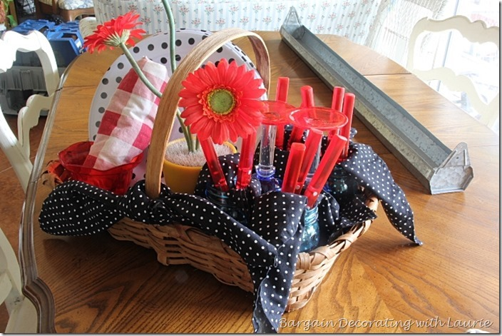 Picnic Basekt-Bargain Decorating with Laurie