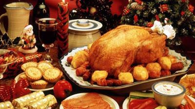 Τι να αποφύγετε και τι να προσέξετε στο εορταστικό τραπέζι για να μείνετε στα κιλά σας