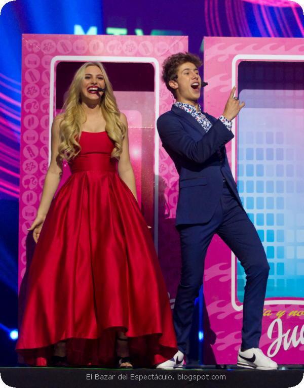 Juanpa Zurita y Lele Pons Premios MTV MIAW 2017.jpeg