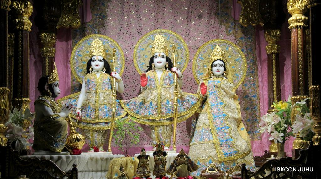 ISKCON Juhu Mangal Deity Darshan on 24th Oct 2016 (6)