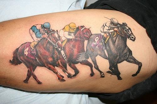 corrida_de_cavalos_antebraço_para_o_projeto_da_tatuagem