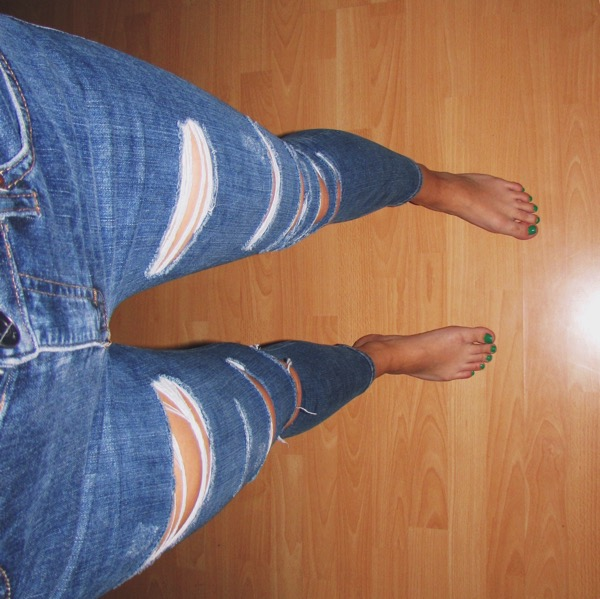 Ripped Jeans 3