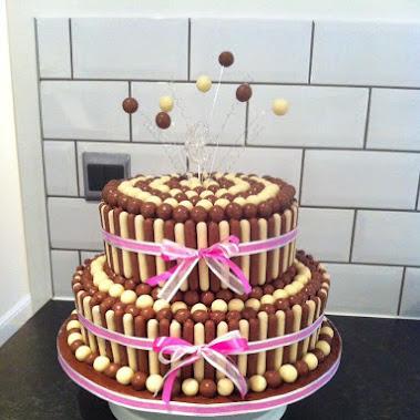 Foto torte 18 anni per ragazza femmina per ragazze for Torte 18 anni ragazzo