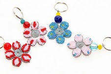 Beaded Wire Flower Keyring