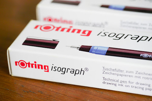 These are the two Rotring Isograph technical pens that I bought recently.  They are the 0.5 and 0.7 tips.