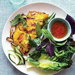 Sizzling Saigon Crêpes (Bánh Xèo)