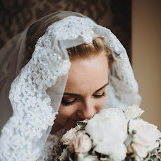 Wedding photographer Anna Kuzmina (xrustja6ka). Photo of 01.10.2018