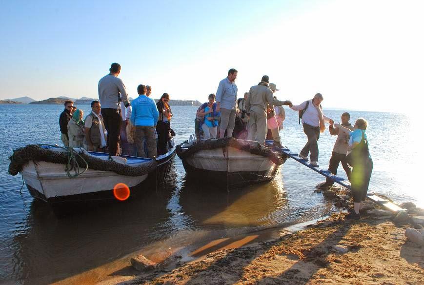 disembarking-at-wadi-es-sebua