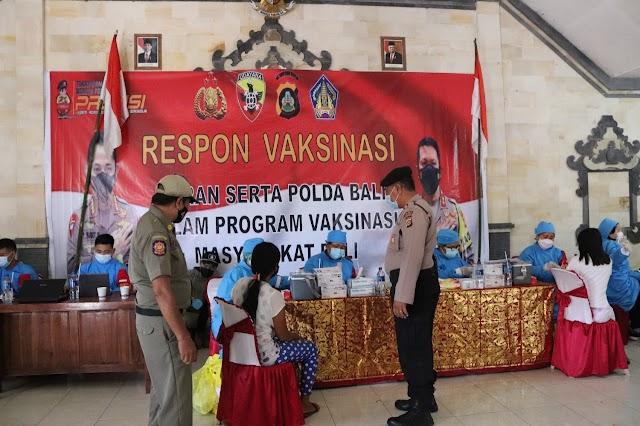 Kembali Peran Serta Polri Dalam Program Vasiknasi Covid 19 Laksanakan Vaksin Langsung Di 3 Desa.