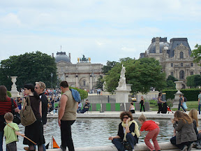 Fountain in the Jardin des Tuileries at the Louvre
