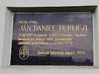 08 Perliczinek csak egynyelvű tábla jutott.JPG