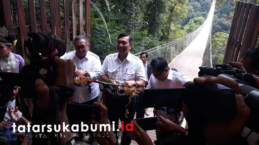 Luhut Binsar Pandjaitan Resmikan Suspension Bridge Situ Gunung Sukabumi