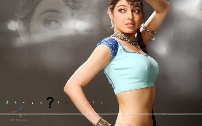 Divya khosla Hot sexy Navel Photos-Best Collection Ever