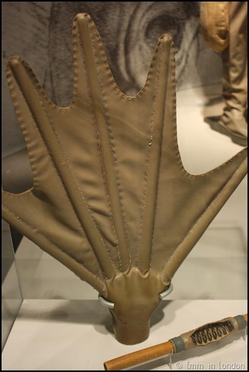 Model of Leonardo da Vinci Webbed Glove