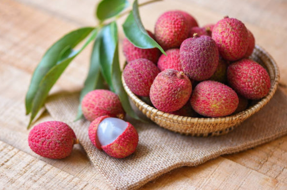 Amazing Benefits Of Litchis (Lychees) For Skin, Hair, And Health