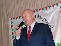 Oldřich Bubeníček, regionális elöljáró üdvözli a magyar est résztvevőit.JPG