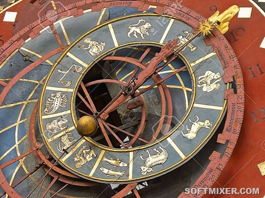 14396833-Famous-Zytglogge-zodiacal-clock-in-Bern-Switzerland-Stock-Photo