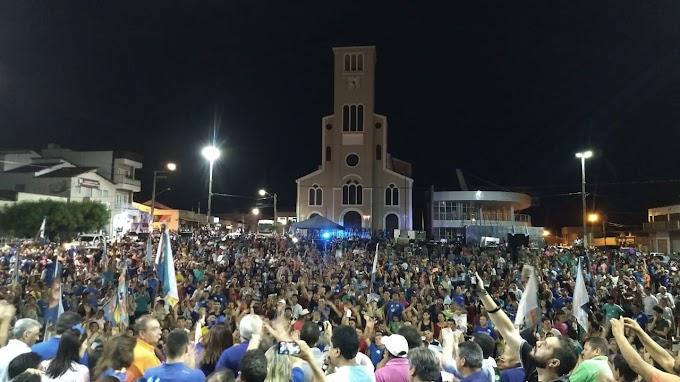 Tomba mobiliza multidão e recebe  Carlos Eduardo em Santa Cruz