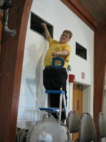 Steve Smith up on a ladder again!