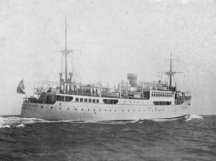 3- Pruebas del CIUDAD DE IBIZA. Foto de la Revista de Ingenieria Naval. Abril de 1934.jpg