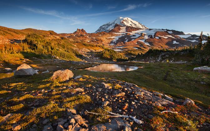 Mount Rainier by TheWanderingSoul1