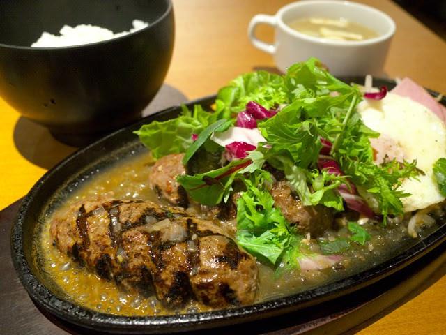 洋食富士屋本店のハンバーグランチ