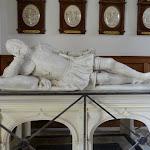 Château de Malesherbes : chapelle, gisant de François de Balzac d'Entragues et de son épouse