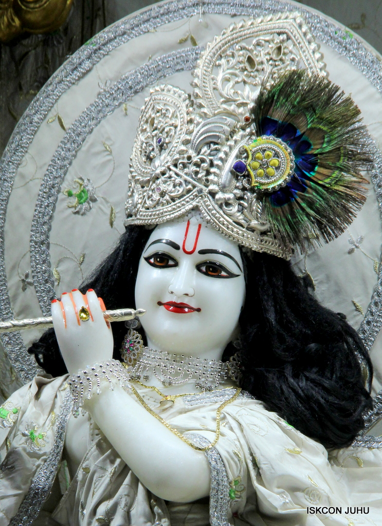 ISKCON Juhu Mangal Deity Darshan on 21st Oct 2016 (18)