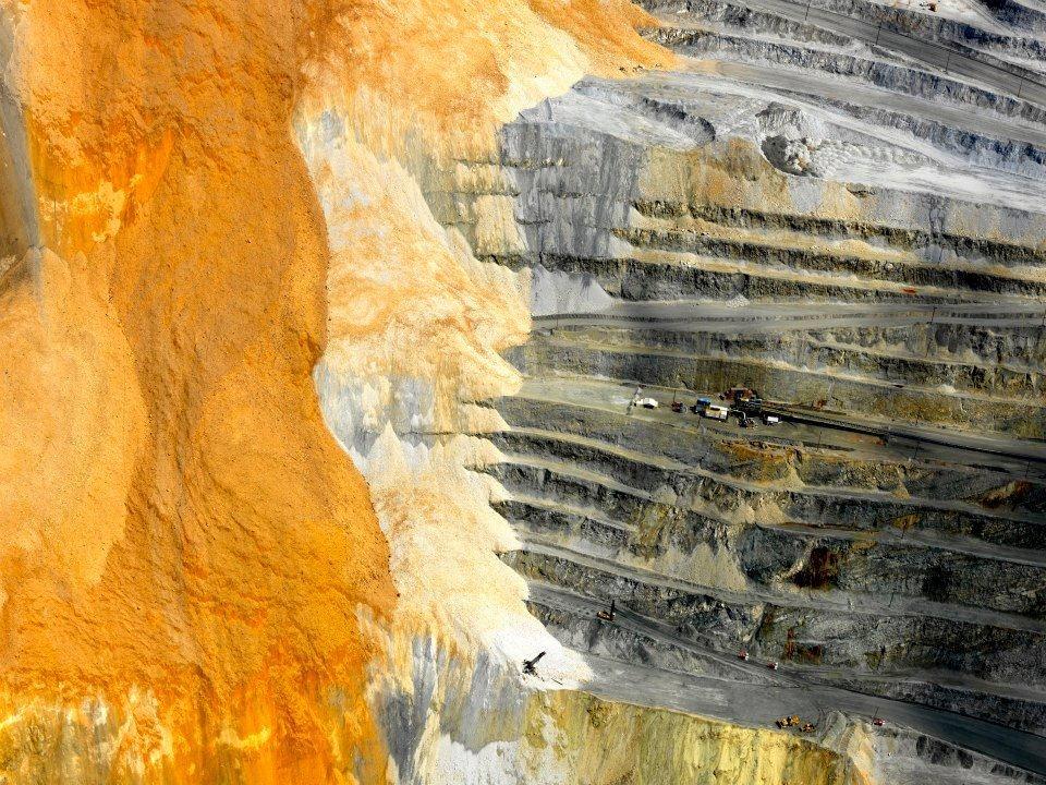 bingham-canyon-mine-landslide-6