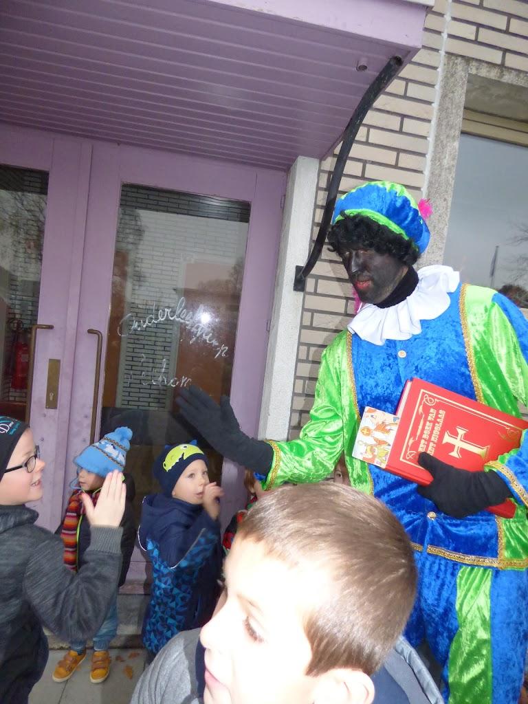 Sinterklaas op bezoek - P1060556.JPG