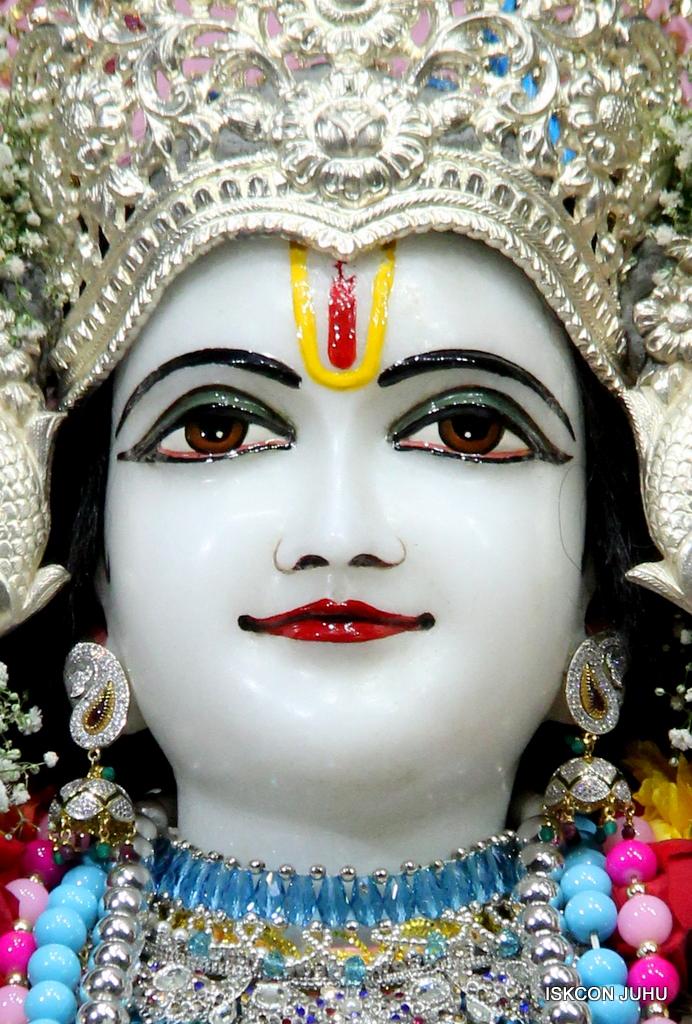 ISKCON Juhu Sringar Deity Darshan on 29th Dec 2016  (23)