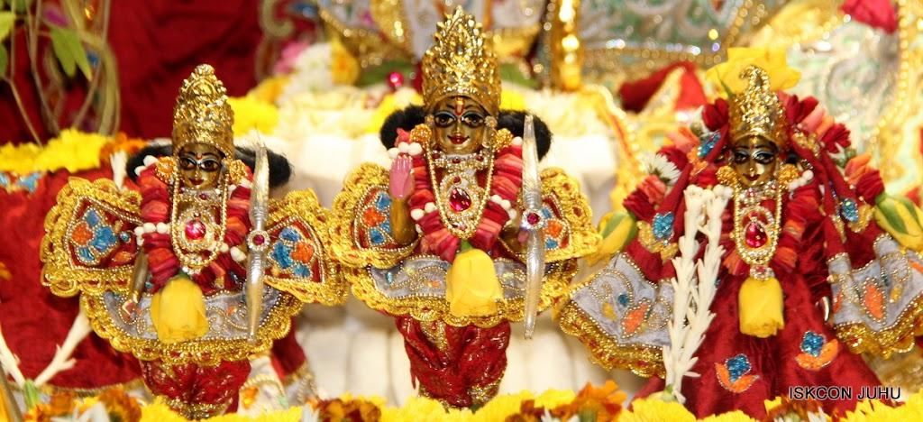 ISKCON Juhu Sringar Deity Darshan on 23rd Aug 2016 (46)
