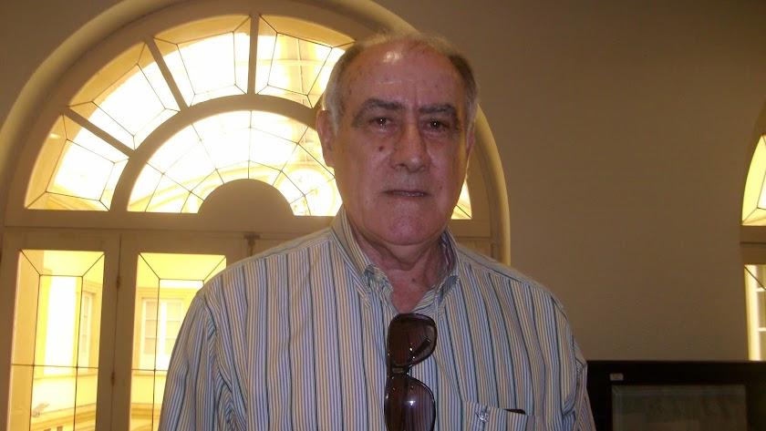 Martín Doblado imparte clases de fútbol.