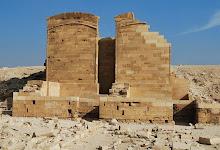 saqqara-djoser-complex-smaller-heb-sed-pavilions