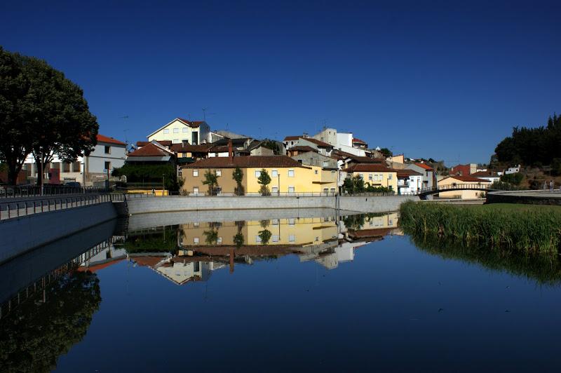 Reflexos no rio Sabor, Braganza