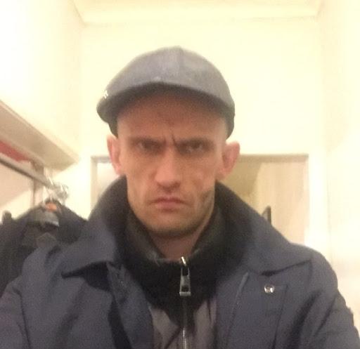 user David Burns apkdeer profile image